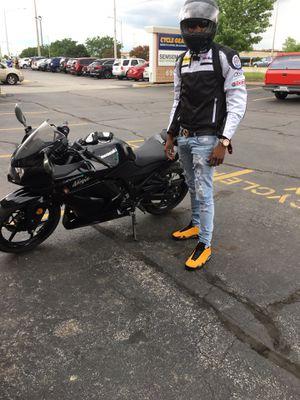 Kawasaki ninja motorcycle 2008 250cc for Sale in Chicago, IL