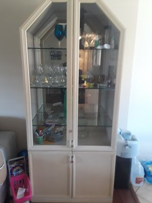 Oak wood China cabinet for Sale in Pittsburg, CA