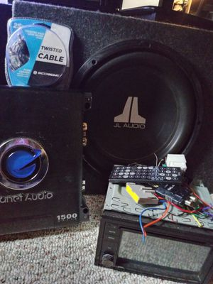 Car stereo and system for Sale in St. Louis, MO