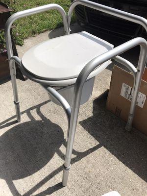 Portable toilet for Sale in Orlando, FL