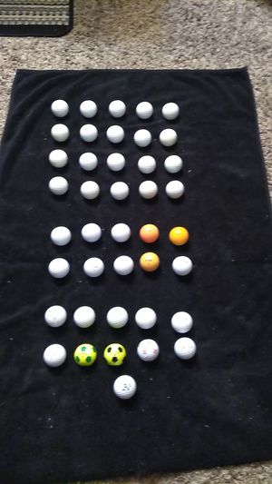 Titlest 20 balls NITRO 10 balls Taylor Made 10 for Sale in Reedley, CA