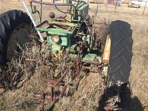 Old John Deere tracktor for Sale in Ninnekah, OK
