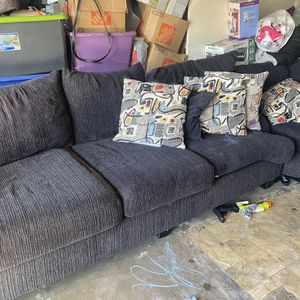 Grey & Black Sectional Couch for Sale in Chula Vista, CA