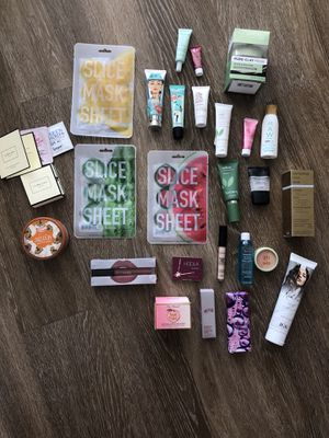 Makeup and skincare for sale for Sale in Saint Petersburg, FL