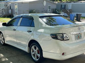 Corolla 2010 for Sale in Tampa,  FL