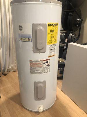 Tank Electric Water Heater for Sale in Pembroke Pines, FL