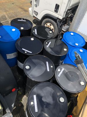 55 gallon drums/barrels metal/plastic for Sale in Davie, FL