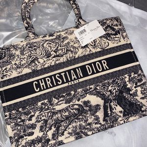 Christian Dior Tote Bag for Sale in Los Angeles, CA