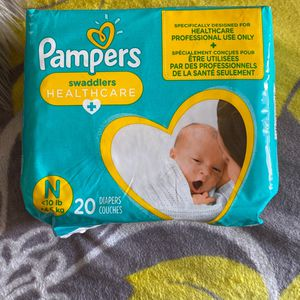 Pampers Newborn for Sale in Bell, CA