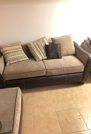 Living room set for Sale in Baltimore, MD
