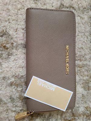 Michael Kors wallet for Sale in Morgan Hill, CA