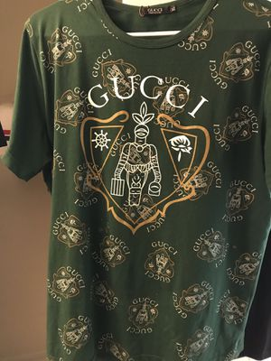 Gucci shirt large for Sale in Lithonia, GA