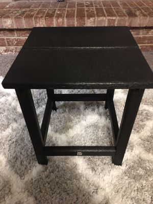 BRAND NEW OUT OF THE BOX, NEVER USED Patio Side/ Accent Table. ((READ DESCRIPTION BELOW)) for Sale in Grand Prairie, TX