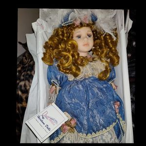 Duck House Porcelain Doll for Sale in Tampa, FL