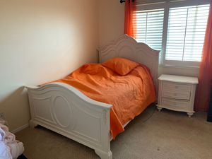 Full size Bedroom for Sale in Spring Valley, CA