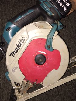 On sale makita circular saw motor BL comes whit 5.0 battery $$$190 dollars i have it in oakland for Sale in Oakland,  CA