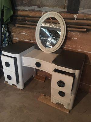 Antique vanity dresser with matching mirror. for Sale in Nolensville, TN