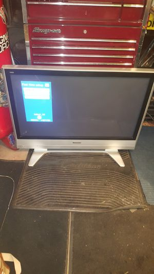 32 inch flat screen patron for Sale in Painesville, OH