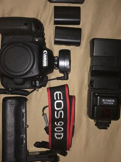 Canon 90d DSLR Camera Bundle Set With Extra Batteries, Battery Grip, Neck Strap, Bower Speedlite Flash, Shutter Release With Controller for Sale in Philadelphia,  PA