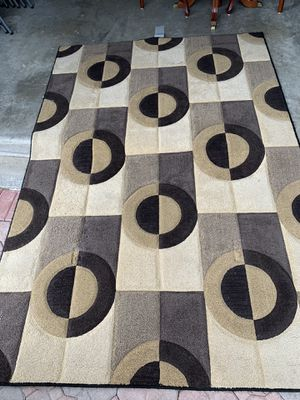"""Area rug size 5'3"""" x 7'9"""" for Sale in Miramar, FL"""