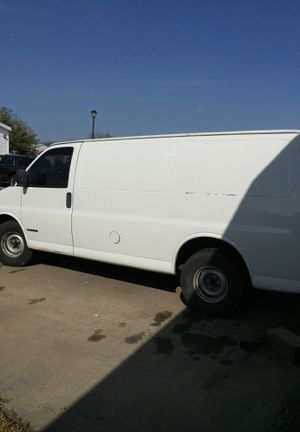 Chevy express 2001 for Sale in Dallas, TX
