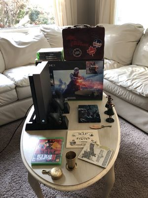 Xbox One X Bundle 1T (Terabyte) Black Friday Battlefield V Edition (All Digital Games Seen Included) Turtle Beach Headset for Sale in Lakewood, WA