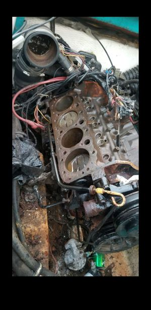 1995 marine 5.0 mercruiser Chevy short block in good condition minor surface rust for Sale in Fontana, CA