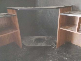 Corner desk in great shape for Sale in Bremerton,  WA
