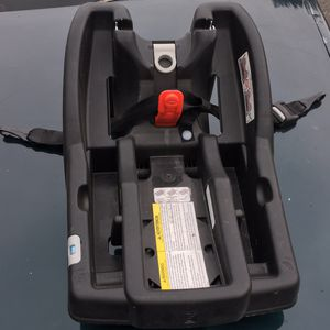 Garcia car seat base for Sale in Albany, NY