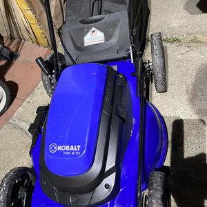 ELECTRIC KOBALT LOAN MOWER IN GREAT CONDITION for Sale in Huntington Beach, CA