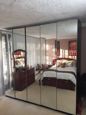 Mirrored Closet for Sale in Queens, NY