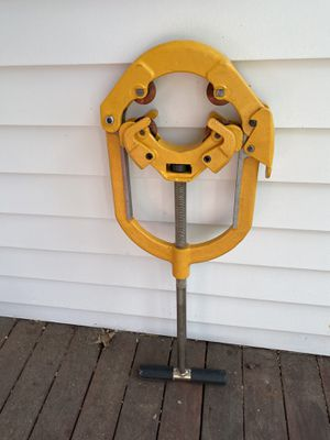 """Hinged 4""""-6"""" pipe cutter for Sale in Acton, MA"""