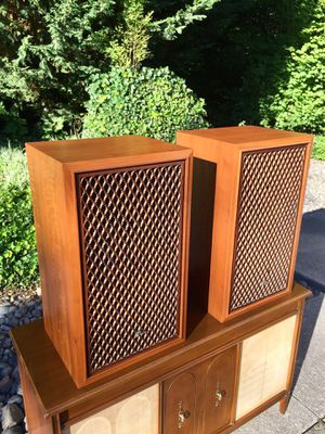 Sansui SP-1500 Speakers for Sale in Puyallup, WA