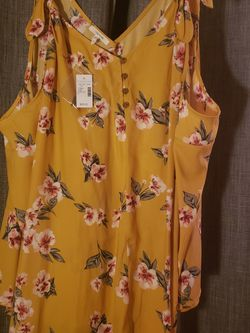 Maurices Yellow Top for Sale in Wenatchee,  WA