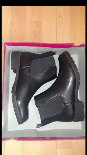 New size 7.5 boots $20 for Sale in Compton, CA