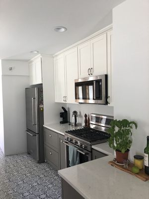 Kitchen cabinets for Sale in Seattle, WA