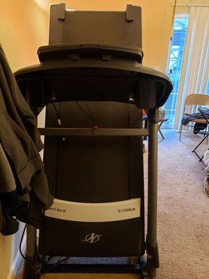NordicTrack C 700 Treadmill, 2.75 CHP for Sale in Tacoma, WA