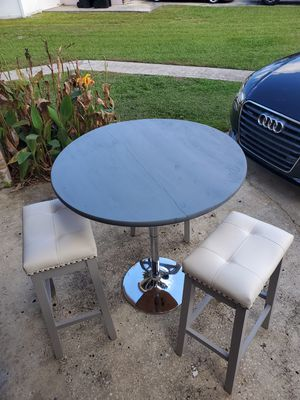 Bar Height Table and Stools for Sale in Orlando, FL