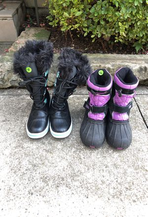 Kids snow boots size 2 and 3 for Sale in Lorain, OH