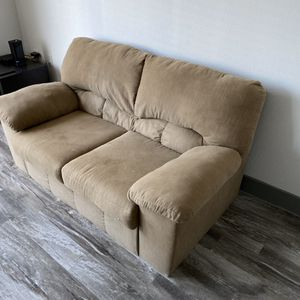 Tan Cloth Couch for Sale in Fort Worth, TX