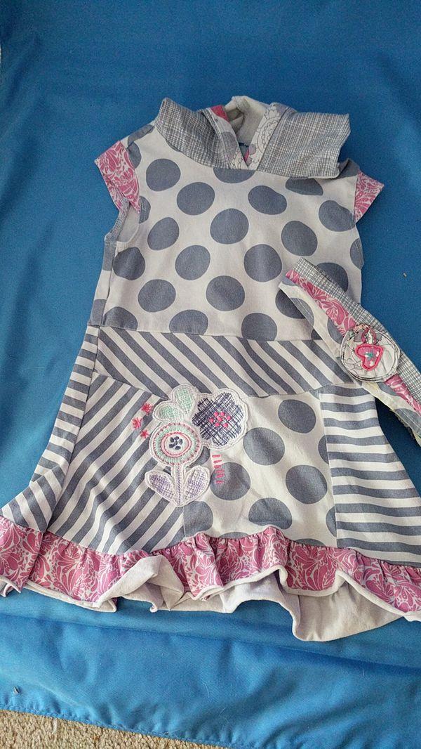Girl's dress (size 12-18 months)
