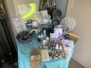 Are you a baking fanatic?!? NEW & Gently Used BAKEWARE- PIC N CHOOSE for Sale in Belle Isle, FL