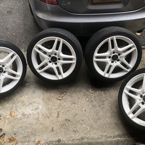 """Mercedes Benz AMG 18"""" Rim for Sale in Queens, NY"""