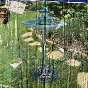 Green Plastic Bird Bath Fountain for Sale in Bell, CA