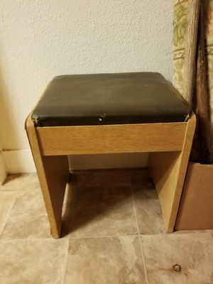 Antique Sewing Stool for Sale in Abilene, TX
