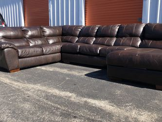 Brown Leather Sectional for Sale in Maryland Heights,  MO