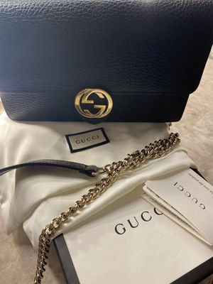 Gucci wallet on chain for Sale in Queens, NY