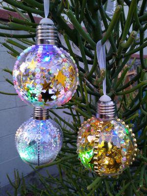 Christmas decorations, 18 pcs LED lights. (esferas para arbol de navidad) for Sale in Bell Gardens, CA