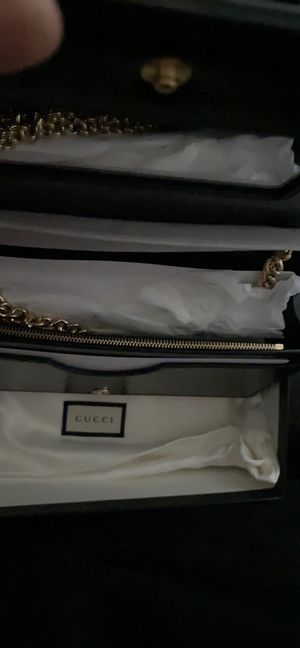 Gucci Petite Leather Wallet on a Chain for Sale in Oceanside, CA