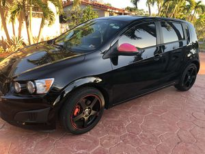 2012 Chevy sonic for Sale in Coral Gables, FL